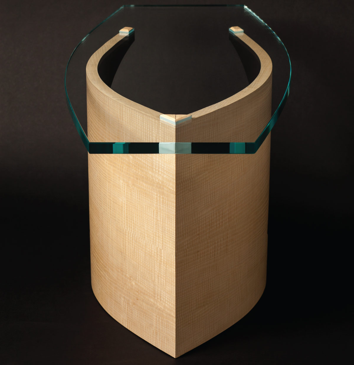RossiModernEmbraceTable