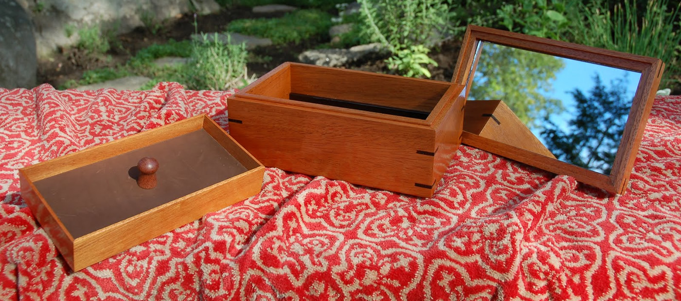 """Click On This Image To Learn More <p class=""""alignright"""">Mahogany and Wenge Jewelry Box</p>"""